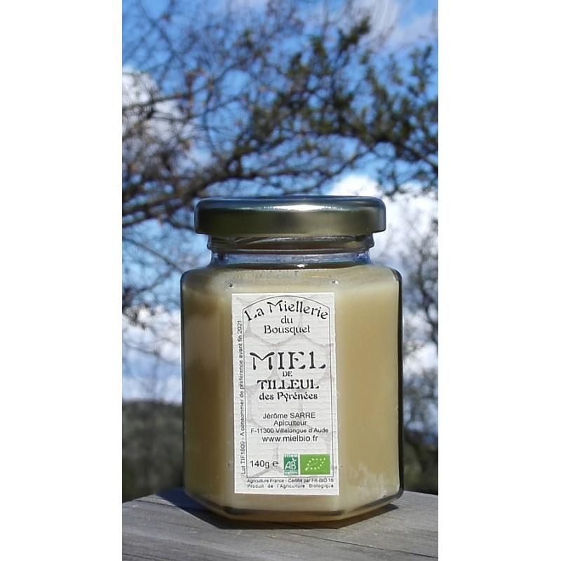 Miel Bio de Tilleul. Ce miel est cristallisé maintenant. Photo avril 2019.