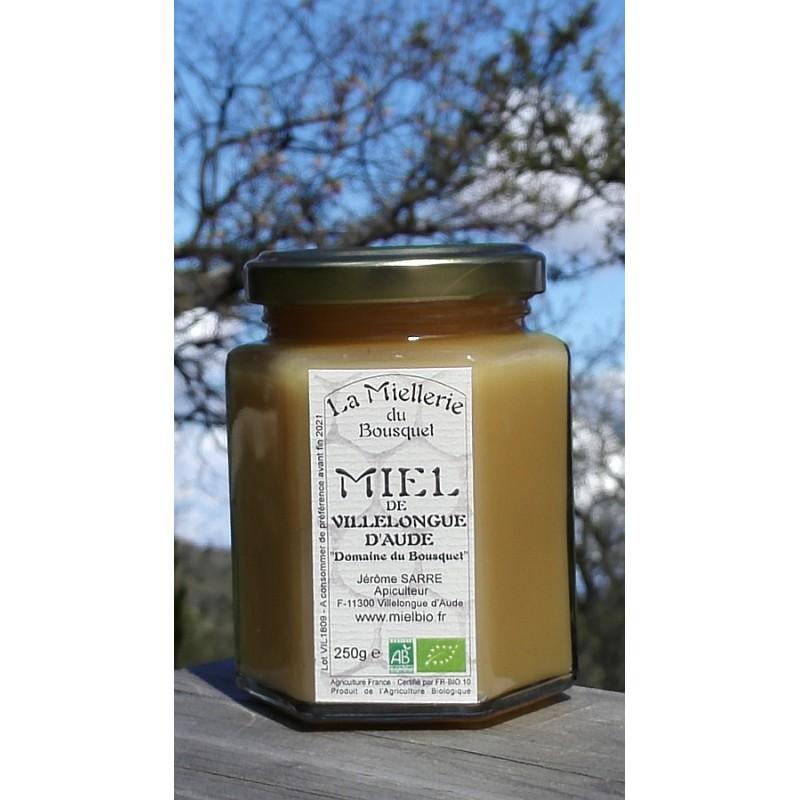 Miel Bio de Villelongue d'Aude. Ce miel est cristallisé maintenant, photo avril 2018.