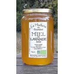 Miel Bio de Lavande français. Odeur puissante, saveur fruité et généreuse. Aspect à la mise en pots septembre 2020.
